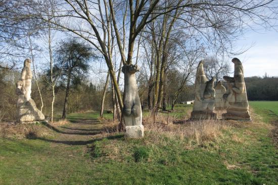Les sculptures de la Dhuis (Chessy)