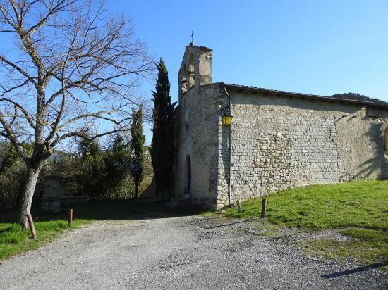 L'Eglise de Véronne au sein du vallon du Riousset