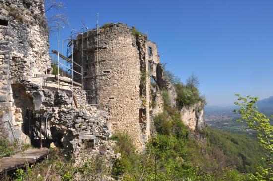 Le château de Rochechinard