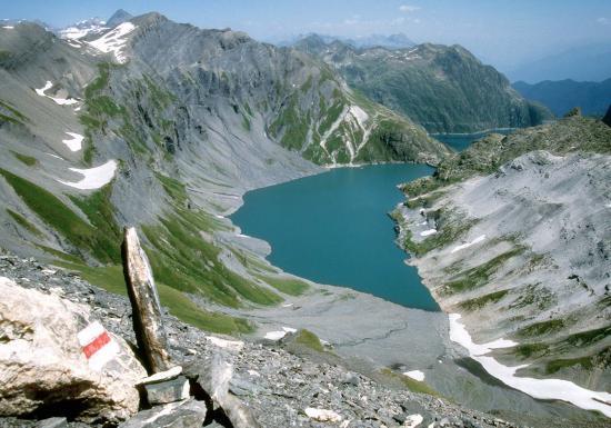 Le lac de Vieux Emosson depuis le col du Vieiux