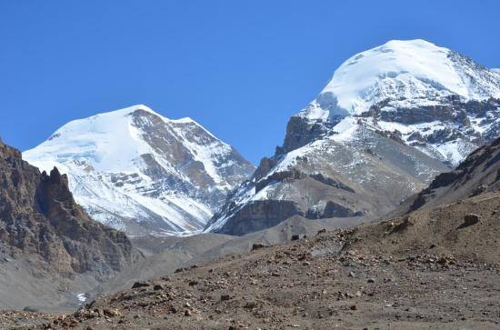 En montant au Teri La (le Khumjungar himal est sur la gauche)