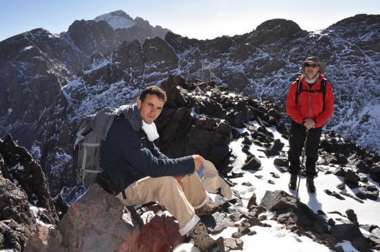 Abdellatif Aznag et Damien lors de la montée sur le Ouanoukrim