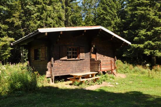 La cabane du Serre du Sâtre