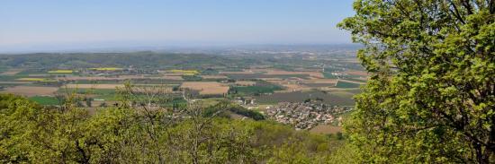 Vue sur la Drôme des collines depuis le croisement des Perrets (en bas, village de Saint-Maurice)