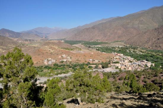 Ijoukak et la vallée du Nfis (l'Igdet au fond)