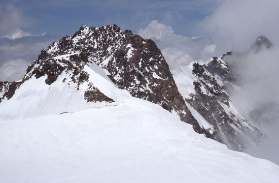 Deux des sommets du Mont-Rose (Zumstein et Dufour) et derrière le départ du couloir Marinelli