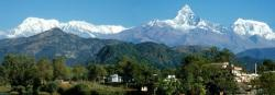 LAnnapurna I,  le Machhapuchhre et lAnnapurna III vus de Pokhara