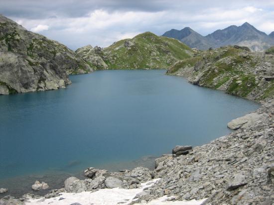 Lac entre le Passage et le Col de Louie Blanche