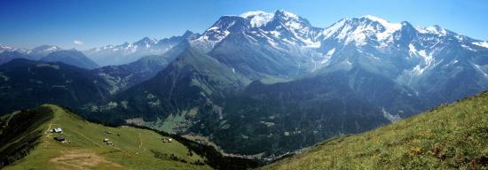 Le massif du Mont-Blanc vu depuis les crêtes du Mont-Joly