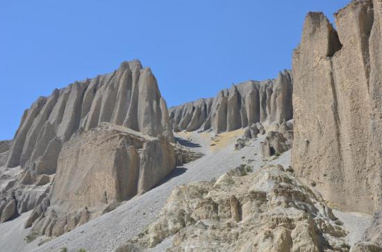 Les falaises de la Dechyang khola