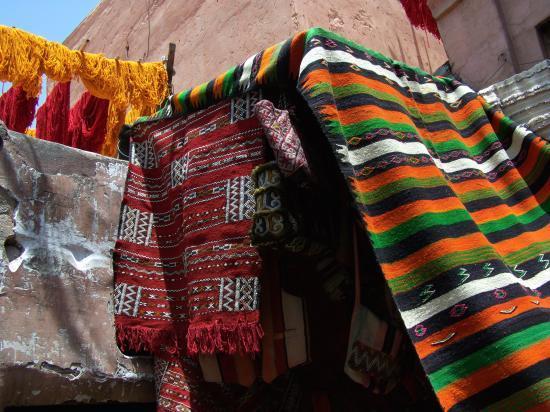 « Zoulis tapis »… dans les souks de Marrakech