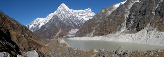 Le lac de Tsho Rolpa et le Kang Nachugo