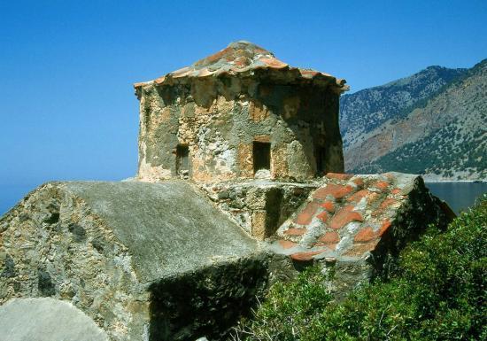 En chemin vers Agia Roumeli : la chapelle d'Agios Pavlos