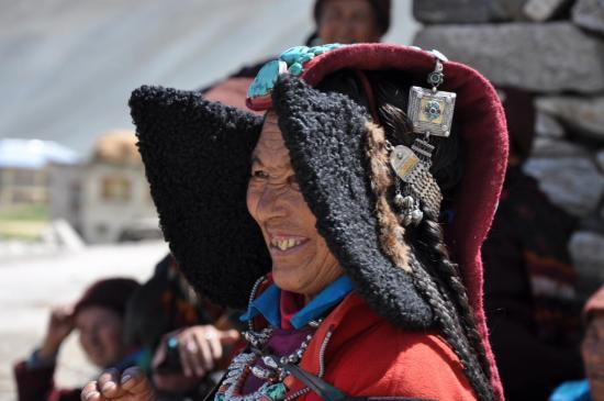 La coiffe traditionnelle ladakhie, le pérac