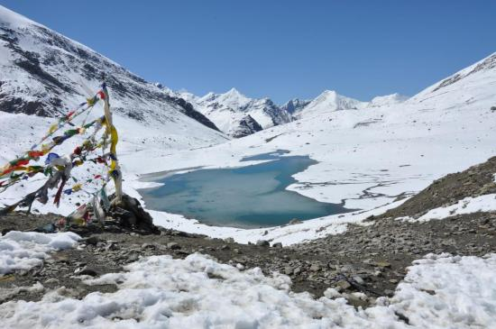 Les montagnes de l'Himachal Pradesh depuis le Shingo La