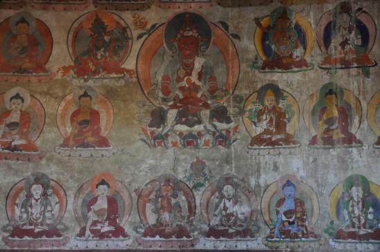 Fresques murales anciennes à la nonnerie de Zangla