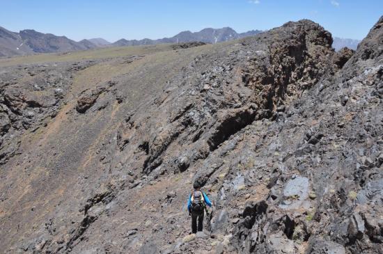 Entre les deux sommets de l'Angour
