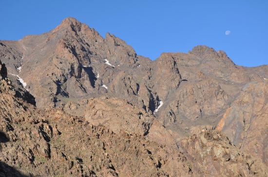 Le massif de l'Aksoual dès potron-minet