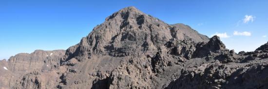 Vue sur l'Afella depuis l'itinéraire de descente de l'Akioud