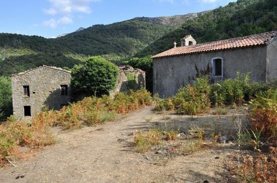 Le hameau abandonné de Tassu