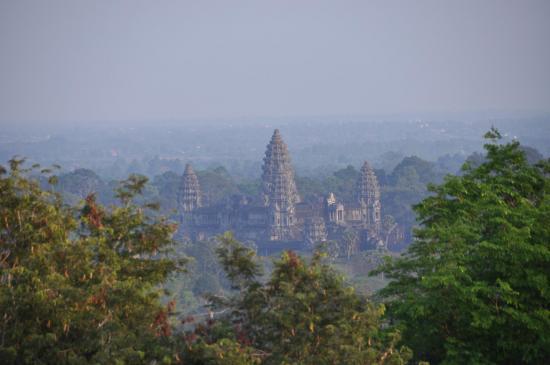 Angkor Vat (vue depuis le Phnom Bakend)