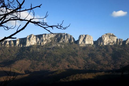Les falaises de la Montagne de l'Epenet
