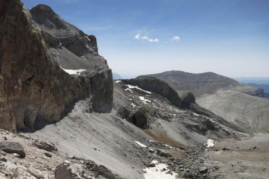 Panorama depuis la Brèche de Roland côté espagnol