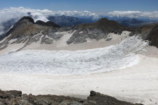 La cuvette du glacier d'Ossue vue depuis le sommet du Vignemale