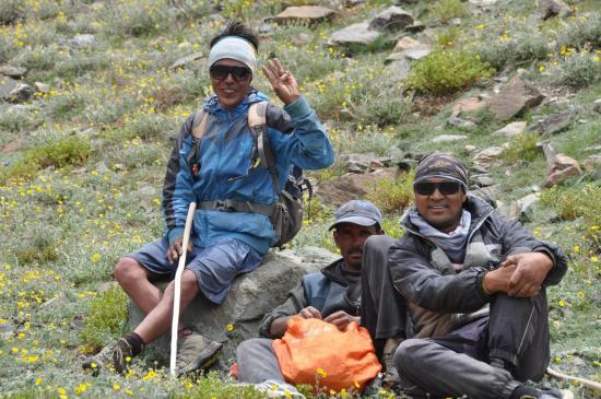 Après le passage du phuktal La, Sonam, Donitchen et Mutup tout sourire...