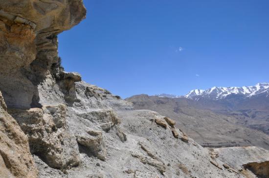 Sur le sentier-balcon au-dessus de la Kali Gandaki