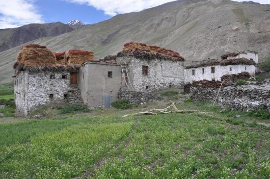 Maison cossue dans le bas du village de Testa