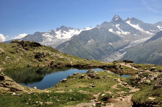 Les Aiguilles du Tour et du Chardonnet vues du plateau des lacs des Chéserys