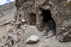 Entrée des grottes de Saspol