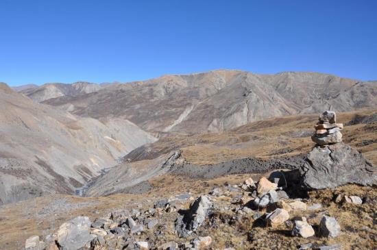 Dans la traversée des plateaux d'altitude avant d'arriver à Chharka Bhot