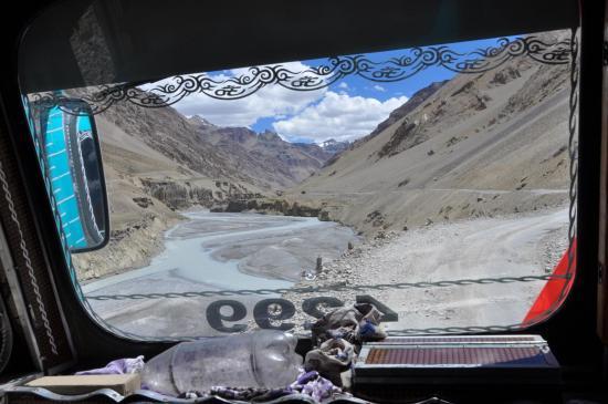 Dans la cabine du camion de Sarchu au départ de la randonnée