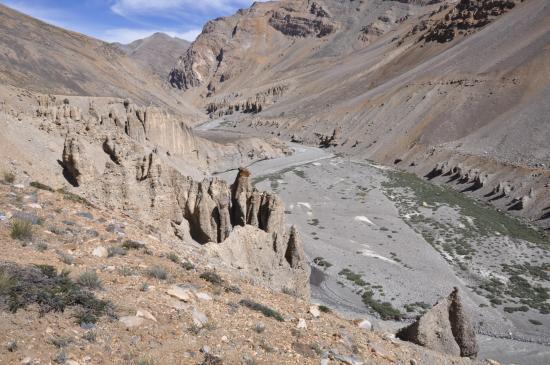Le long de la Tsarap Chu au-dessus de la zone des pénitents
