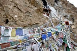 Les grottes de Pokhar Ogyan Rzong
