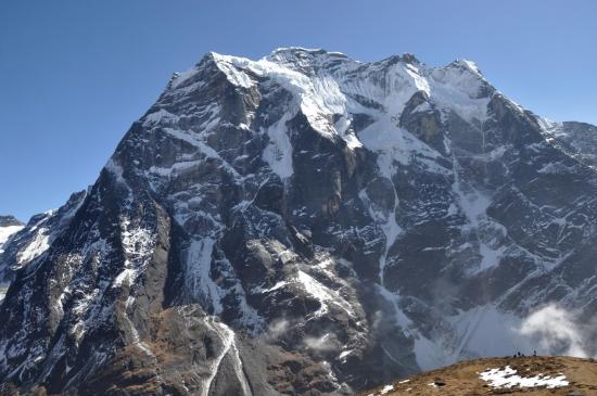 Depuis le Thangnag Ri, les contreforts W du Mera peak