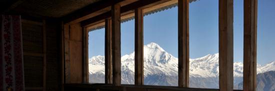 Au chaud, à l'intérieur du lodge de Khopra danda