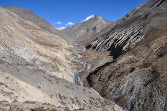 Remontée de la vallée de la Chharka Tulsi khola