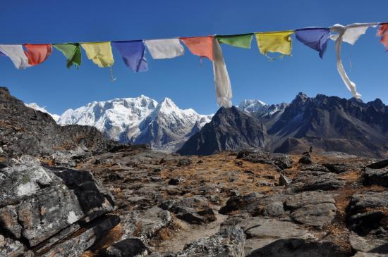 Kangchenjunga, Kabru et Rathong vus une dernière fois depuis le col sans nom