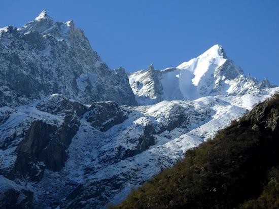 Depuis Sindhu, vue sur la combe glaciaire issue du Baden Powell peak