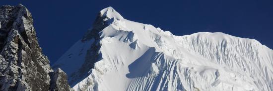 Le Langtang Lirun, un grand de l'Himalaya avec pourtant (seulement...) 7246m