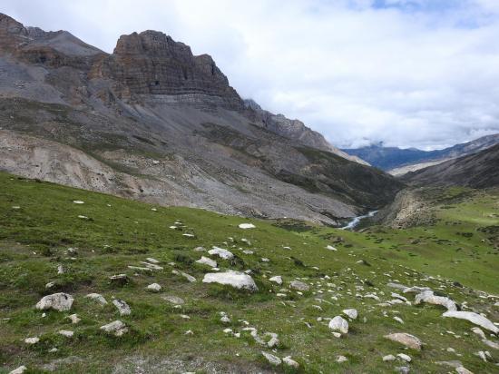 Vue arrière sur la vallée de Chharka Bhot