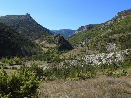 La vallée de la Coulance lors de la descente sur Les Gleizolles