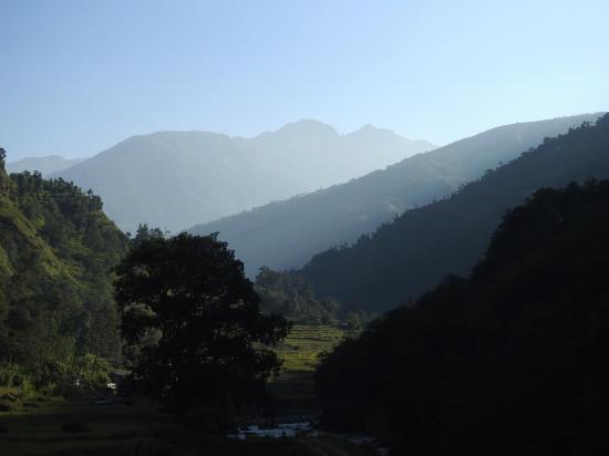 La vallée de la Likhu khola au petit matin