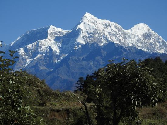 Numbur et Khatang vus depuis Goli gompa