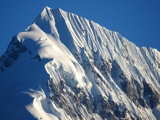 Les ice-flutes du sommet du Numbur
