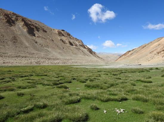 Traversée de la doksa à l'entrée de la vallée des kiangs