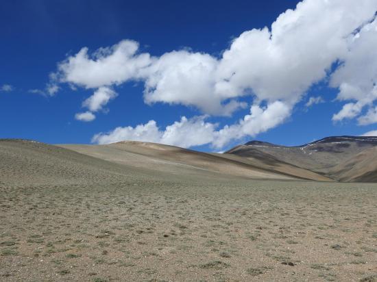 Le vallon aride de Yele More